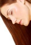 Ritratto con bei capelli lunghi marroni luminosi Fotografie Stock