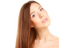 Ritratto con bei capelli lunghi marroni luminosi Fotografia Stock Libera da Diritti