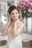 Ritratto d'annata di bella giovane donna fotografie stock