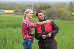Ritratto degli agricoltori nel campo Immagine Stock Libera da Diritti