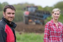 Ritratto degli agricoltori nel campo Immagine Stock