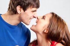 Ritratto degli amanti arrabbiati che scremano su a vicenda Fotografia Stock Libera da Diritti