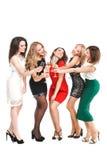 Ritratto degli amici allegri che tostano al nuovo anno immagine stock libera da diritti