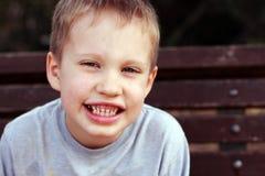 ritratto dei 5 anni svegli del ragazzo del bambino Fotografia Stock Libera da Diritti