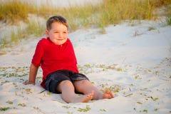 Ritratto del bambino felice sulla spiaggia Fotografia Stock Libera da Diritti