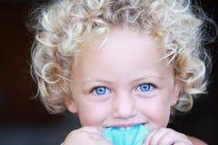 Ritratto del bambino in giovane età Immagini Stock
