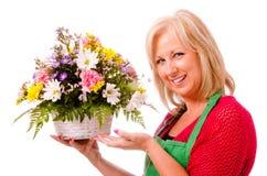 Ritratto del fiorista felice sorridente Fotografia Stock Libera da Diritti