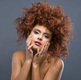Ritratto del fronte del primo piano di bellezza di giovane donna Fotografia Stock Libera da Diritti