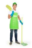 Ritratto del giovane con attrezzature per la pulizia Fotografia Stock