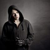 Ritratto del giovane in un cappuccio Fotografia Stock Libera da Diritti
