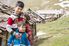 Ritratto del gruppo dei bambini all'aperto Fotografia Stock Libera da Diritti