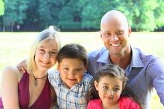 Ritratto del gruppo di una famiglia felice Fotografia Stock