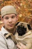 Ritratto del maschio e del Pug Immagine Stock Libera da Diritti