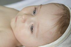 Ritratto del neonato sveglio Fotografie Stock