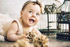 Ritratto del primo piano del bambino sveglio Fotografie Stock Libere da Diritti