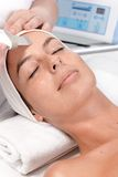 Ritratto del primo piano del trattamento facciale di bellezza Fotografie Stock Libere da Diritti