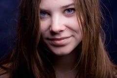 Ritratto del primo piano della giovane donna Fotografia Stock Libera da Diritti