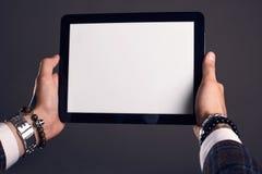Ritratto del primo piano delle mani con la compressa Fotografia Stock Libera da Diritti