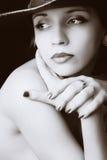 Ritratto del primo piano di bella donna immagine stock