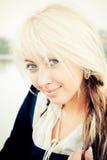 Ritratto del primo piano di bella giovane donna Fotografie Stock