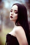 Ritratto del primo piano di bella giovane ragazza del goth Immagine Stock