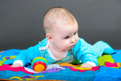 Ritratto del primo piano di bella neonata Immagini Stock