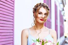 Ritratto del primo piano di bella ragazza con gli occhi espressivi Immagine Stock Libera da Diritti