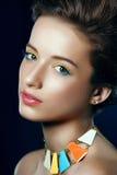 Ritratto del primo piano di donna abbastanza giovane fotografia stock