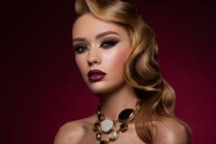 Ritratto del primo piano di giovane donna caucasica sexy immagini stock libere da diritti