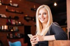 Ritratto del primo piano di un receptionist al salone di bellezza immagini stock