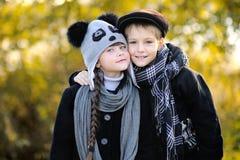 Ritratto del ragazzino e della ragazza Fotografia Stock