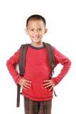 Ritratto del ragazzo con sorridere dello zaino Immagini Stock Libere da Diritti