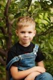 Ritratto del ragazzo di sette anni sorridente Ragazzo di sette anni con Immagini Stock