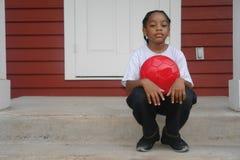 Ritratto del ragazzo sul portico Fotografia Stock Libera da Diritti
