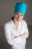 Ritratto del ` s di medico La donna il medico nel buon umore Desideriamo un buona salute Fotografia Stock