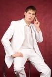 Ritratto del tirante piacevole in vestito bianco Fotografia Stock Libera da Diritti
