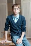 Ritratto dell'adolescente serio nella classe Fotografie Stock