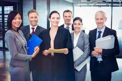 Ritratto dell'avvocato che sta insieme alla gente di affari Immagine Stock Libera da Diritti