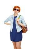 Ritratto dell'università o dell'istituto universitario diligente della studentessa con il passo Fotografia Stock