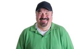 Ritratto dell'uomo allegro che porta camicia verde Fotografie Stock Libere da Diritti