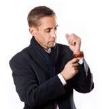 Ritratto dell'uomo caucasico bello in cappotto nero Immagini Stock Libere da Diritti