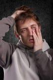 Ritratto dell'uomo sonnolento immagini stock libere da diritti