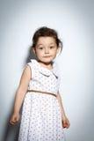 Ritratto della bambina di 3 anni su fondo bianco Fotografia Stock Libera da Diritti