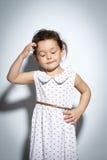 Ritratto della bambina di 3 anni su fondo bianco Immagine Stock Libera da Diritti