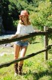 Ritratto della bionda attraente sul ranch Fotografia Stock Libera da Diritti