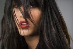 Ritratto della donna abbastanza giovane. fotografia stock