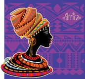 Ritratto della donna africana in turbante etnico Fotografia Stock Libera da Diritti