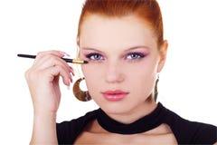 Ritratto della donna con la spazzola del eyshadow Fotografia Stock Libera da Diritti