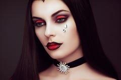 Ritratto della donna del vampiro di Halloween immagini stock libere da diritti