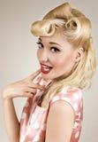 Ritratto della donna della bionda di pin-up Immagini Stock